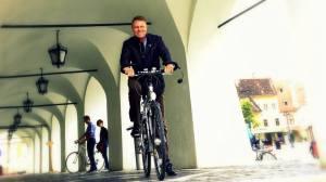 iohannis pe bicicleta