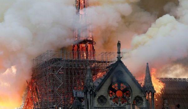 Notre-Dame-burning
